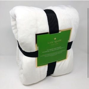 FULL/QUEEN kate spade ♠️ fleece throw. White!